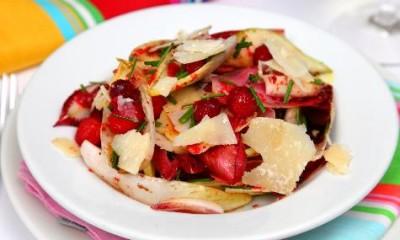 菊苣、梨、芝麻菜、帕尔马干酪、蔓越莓沙拉