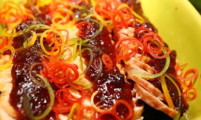 烟熏鸭胸配蔓越莓汁及红菜头沙拉